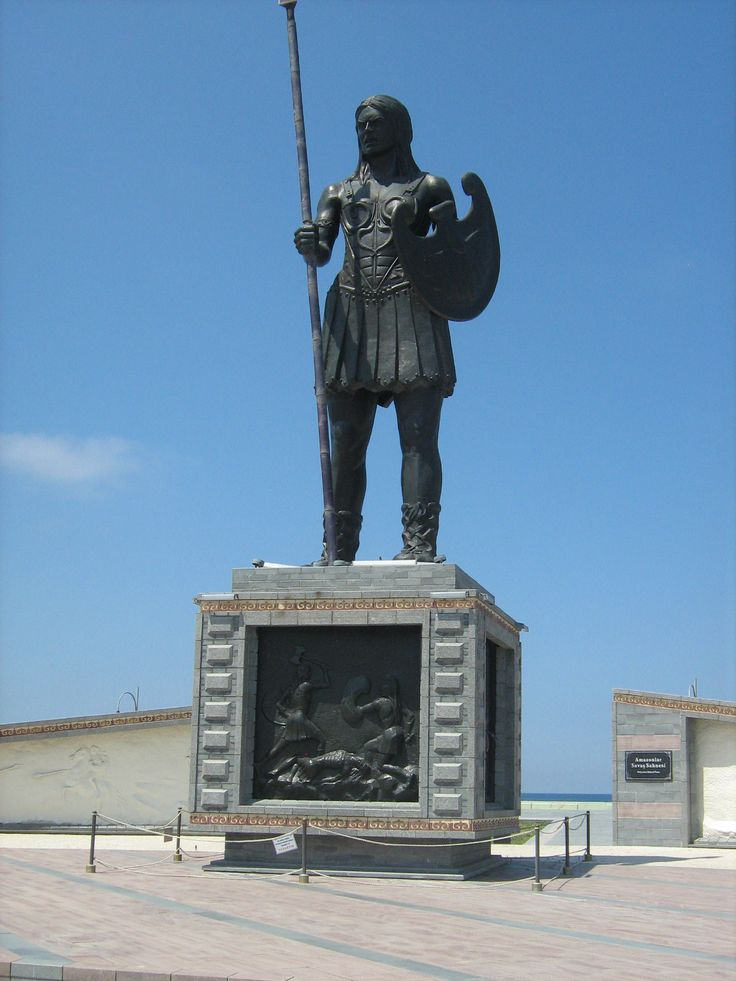 This giant statue of an ancient Amazon warrior is in Samsun in Turkey on the Black Sea coast. It's believed that this is where the Amazons came from.