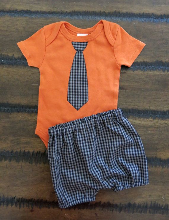 Boy bodysuit /Organic boy shorts / Organic Baby Clothes / Organic Boy Clothes /Baby Tie Applique/ Australian made baby clothes