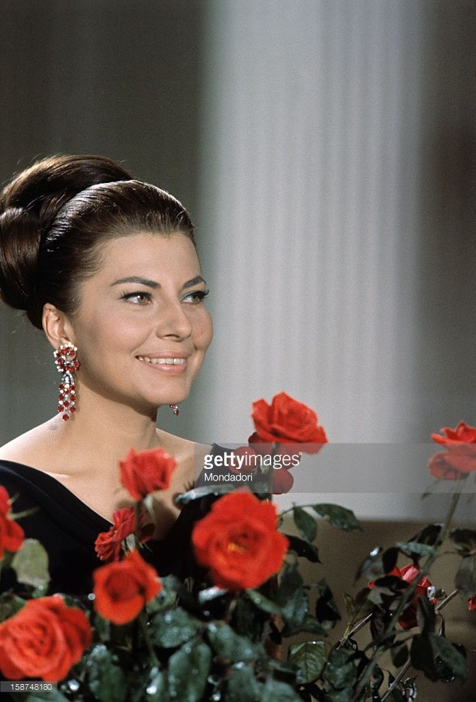 Princess of Iran Soraya the second wife and Queen Consort of the late... Foto di attualità | Getty Images  1964