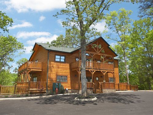Pigeon Forge Cabin   Into The Woods Lodge   7 Bedroom   Sleeps 34