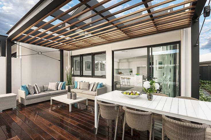 Eclipse with Linear Façade on display at Warwick Farm
