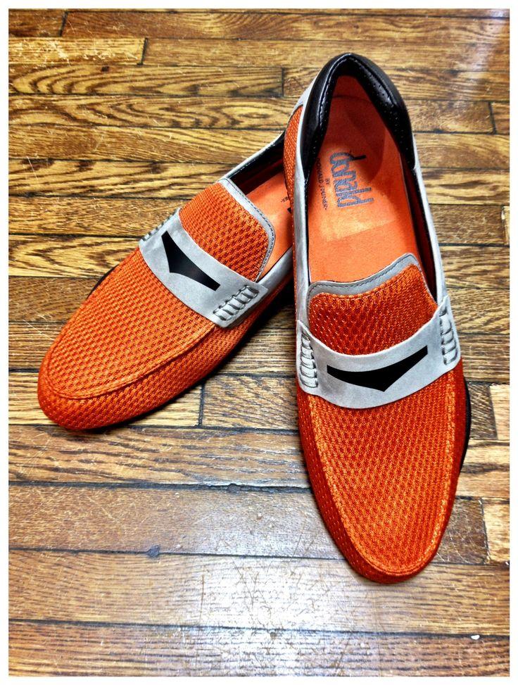 Orange Donald Pliner #moda #fashion #cuero #leather #zapatos #shoes #cinturones #belts #marroquineria #leathergoods #bolsos #bags #estilo #style #lifestyle
