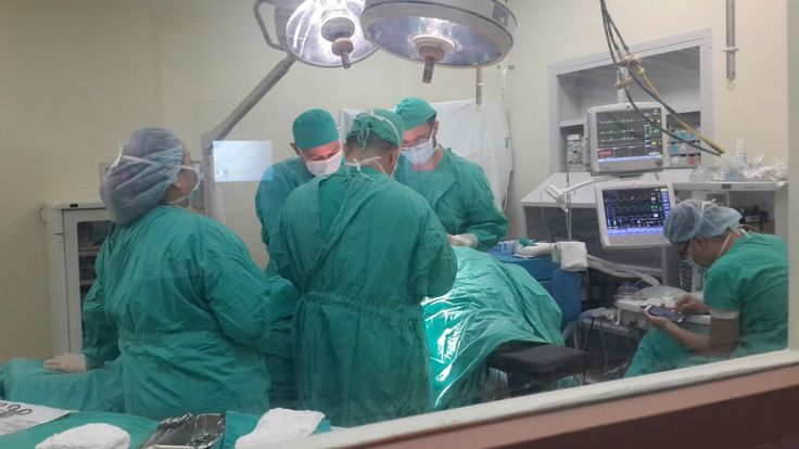 Médicos del Calderón Guardia investigan quien grabó video de cirugía rectal