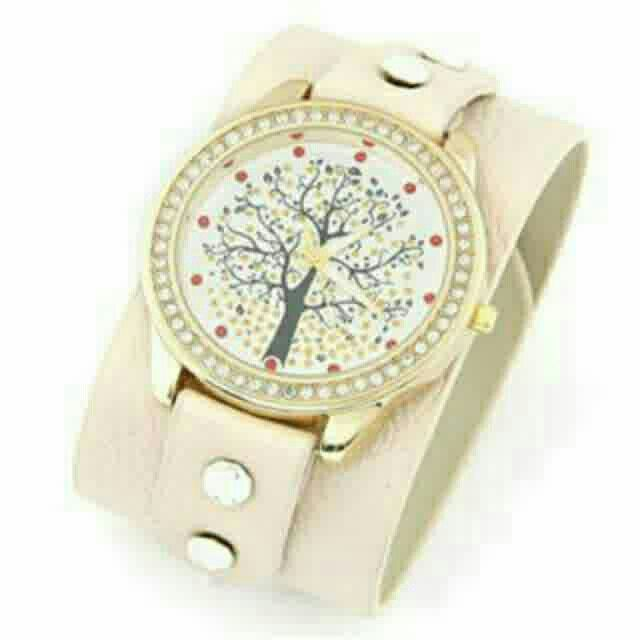 Saya menjual Jam Tangan diamond decorated - T65CDA seharga Rp182.000. Dapatkan produk ini hanya di Shopee! https://shopee.co.id/deventostore/5291901 #ShopeeID