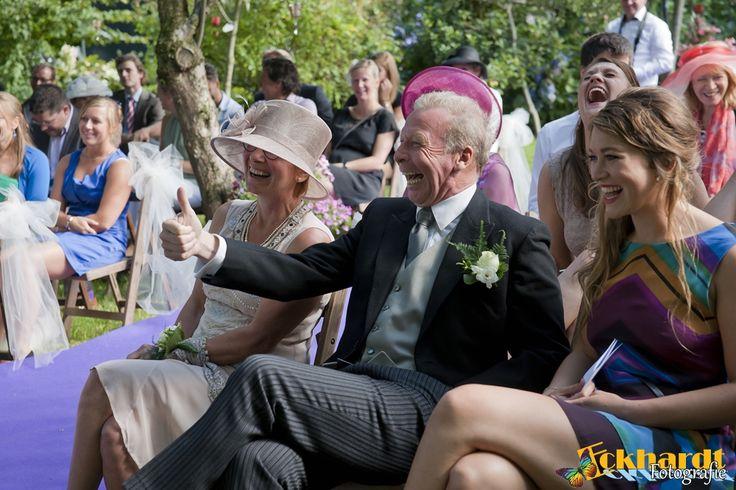 Bruidsfotografie van Eckhardt Fotografie. Wij fotograferen elke bruiloft met twee fotografen. Zo missen we geen enkele detail :)