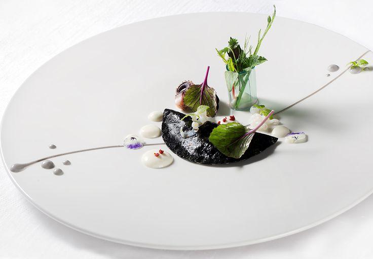 Salvatore Bianco | Seppia e bambù con emulsione di cardamomo agli agrumi | Ristorante Il Comandante Romeo Hotel Napoli