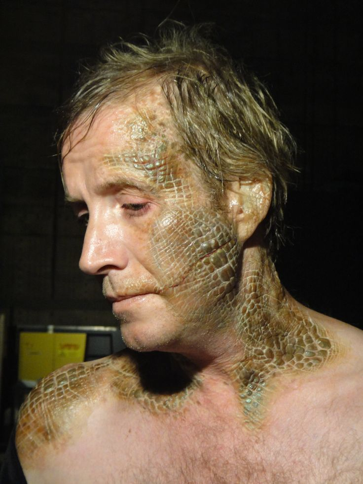 From The Amazing Spider-Man Special fx artist Ve Neill created this lizard skin for the doctor.