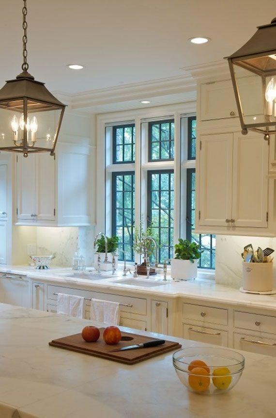 White Kitchen Design Ideas To Inspire You 11