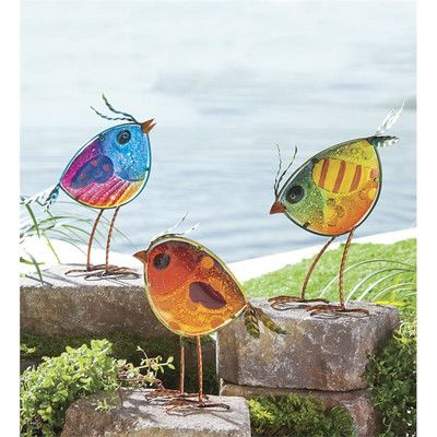 Garden Bird Statues http://dabbiesgardenideas.com/garden-statues/