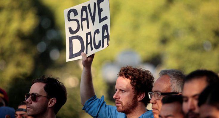 Gobierno de EEUU revisará renovaciones tardías del programa DACA