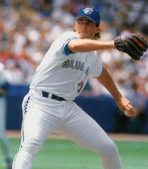 Toronto Blue Jays Photo (1995) - Al Leiter throws a pitch wearing the Toronto Blue Jays home uniform in 1995