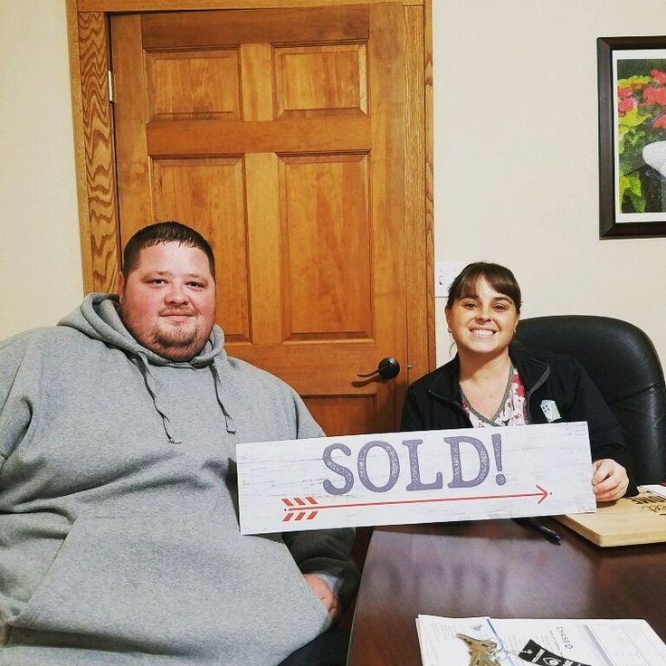 JUST SOLD! Congratulations to our happy buyers Mike and Melinda!  Thank you for choosing the Taylor Team and best of luck in your new home! #taylorteamSold #justsold #happybuyers #centralohiorealestate #wesellhousesyoumakeithome #homesweethome
