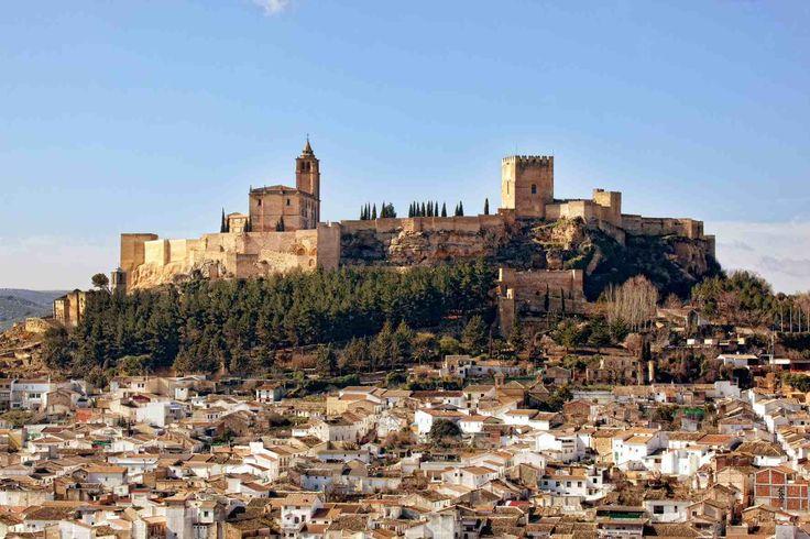 Nuevo horario de los domingos de invierno en la Fortaleza de la Mota, Alcalá la Real. Jaén Desde este próximo domingo, día 13 de diciembre, el nuevo horario de apertura de los domingos de invierno, será el mismo que el de los sábados, es decir, los sábados y domingos abrimos de 10 a 18 hrs.