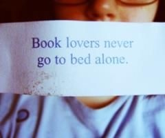 <3: Worth Reading, Books Worth, So True, Dogs Lovers, Reading Books, Bedside Tables, Books Lovers, True Stories, Good Books