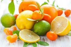 E330 (citroenzuur) in onze voeding, dat moet toch kunnen? Je ziet hetgezonde citrusfruit al bijna voor je. Maar het huidige citroenzuur dat we in onze voeding vinden, daar komt geen citrusvrucht t…