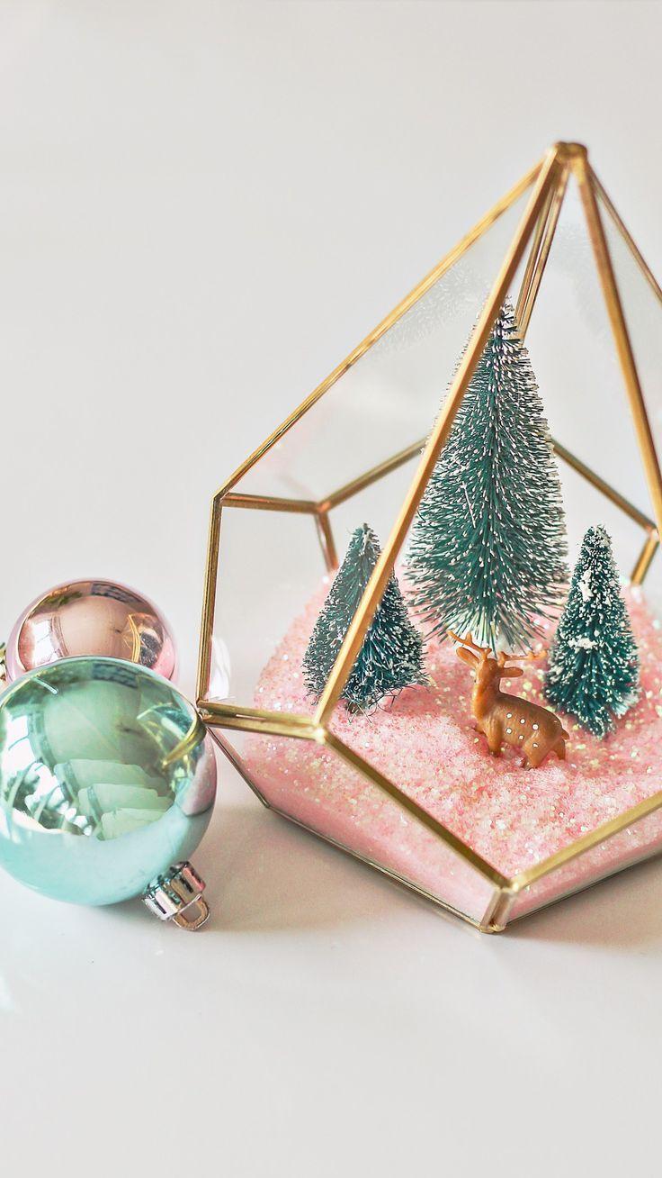 Modern Christmas Terrarium DIY – Easy Christmas Craft Ideas