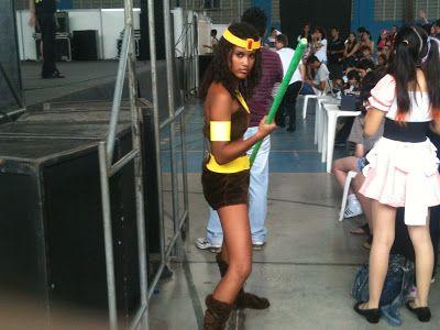 """O Pereiroso: Abril 2012 Cosplays não foram difíceis de encontrar no meio da multidão entre eles o cosplay invocado da Diana do """"Caverna do Dragão""""."""
