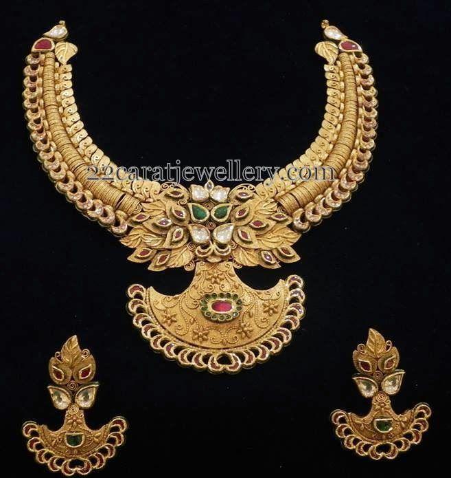 Jewellery Designs: 22ct Gold Bridal Attire Choker
