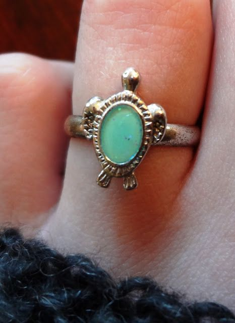 adorable vintage ring