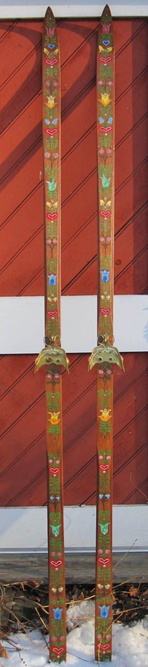 Bauernmalerei skis - I have two sets of wooden skis in my attic that I could paint like these!