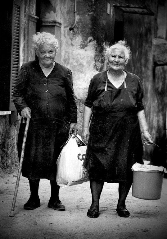Lazio Two nice ladies     #TuscanyAgriturismoGiratola