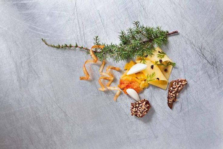 Noen smaker hører til julen på Vestlandet, som kålrot og nepe. Sødmen balanserer det salte og røkte kjøttet av pinnekjøtt og smalahove. Her er Jo Bøe Klakeggs versjon. #julemat #rotgrønnsaker