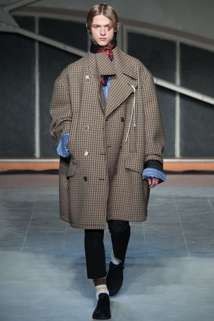 Raf Simons Fall 2016 Menswear Collection Photos - Vogue