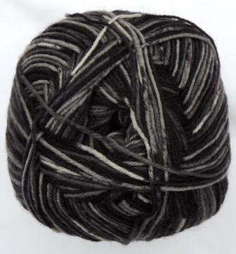 Hot Socks Stripes 4-fach superwash - Man in black stripes 1661-610, 75% Merino superwash by ColorfullmadeShop on Etsy