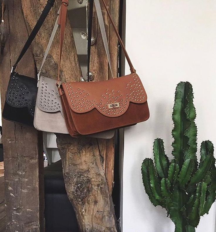 Discover the 3 new colors of our Betty x Lancaster bag for the 5th anniversary of our collaboration with Betty Autier ! They will be available soon, staytuned ! #fullblack #stone #camel #lancasterparis #bestbagever #bettyxlancaster #collaboration #fashion #style #bag #bettyautier #lancaster #cactus #home