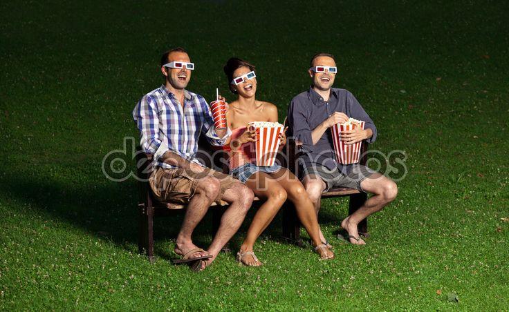 Трое друзей, смотреть фильм в кино на открытом воздухе