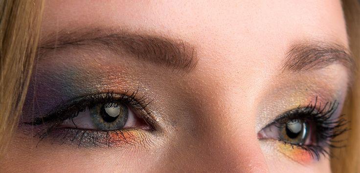 http://trendyhaar.nl/  Rainbow eye makeup Spring and Summer eyemakeup look Voorjaar en Zomer oogschaduw look. Model: Nadia Janssen Fotograaf: Rob van Buul Trendy Haar voor Haarstyling, Kappersdiensten, Visagie. fotoshoot, famile fotoshoot, love photoshoot,feest,avondje uit hebt een mooi kapsel, geföhnd, gekruld, gevlochten, opgestoken, gestijld, gekleurd, highlights, lowlights, bayalage, hairstyle, knippen met een mooie make-up, visagie door