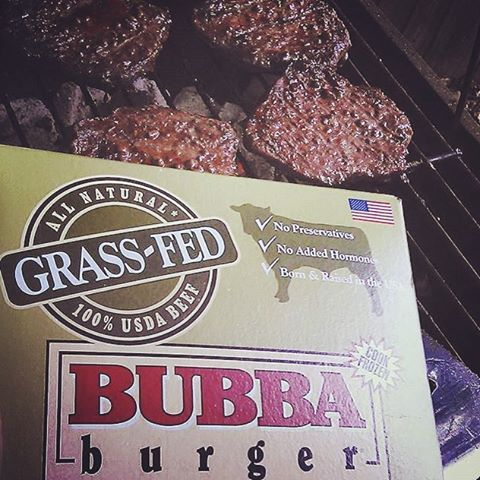 @mr_walker5150 cooking up some of the grass-fed BUBBA burgers! Looks delicious!   #BUBBAburger #grilling #grill #grillmaster #cookout #cooking #chef #friends #family #burgers #hamburger #cheeseburgers #lean #USDAChoice #beef #fanpic #American #allnatural #BUBBA
