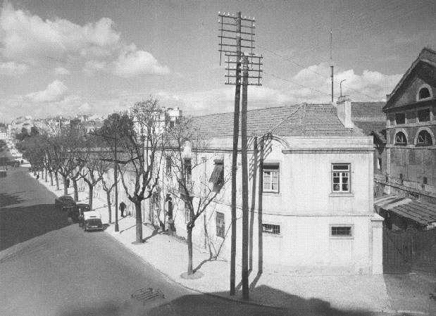Matadouro municipal visto da Rua Tomás Ribeiro (A.Serôdio, 1955)