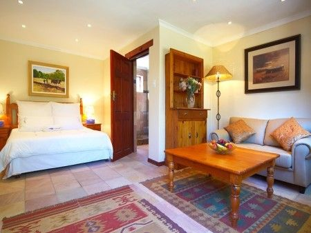 Self catering accommodation, Noordhoek, Cape Town  A full bedroom view