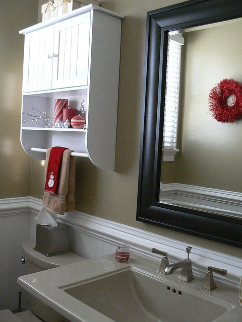 Christmas Guest Bathroom.