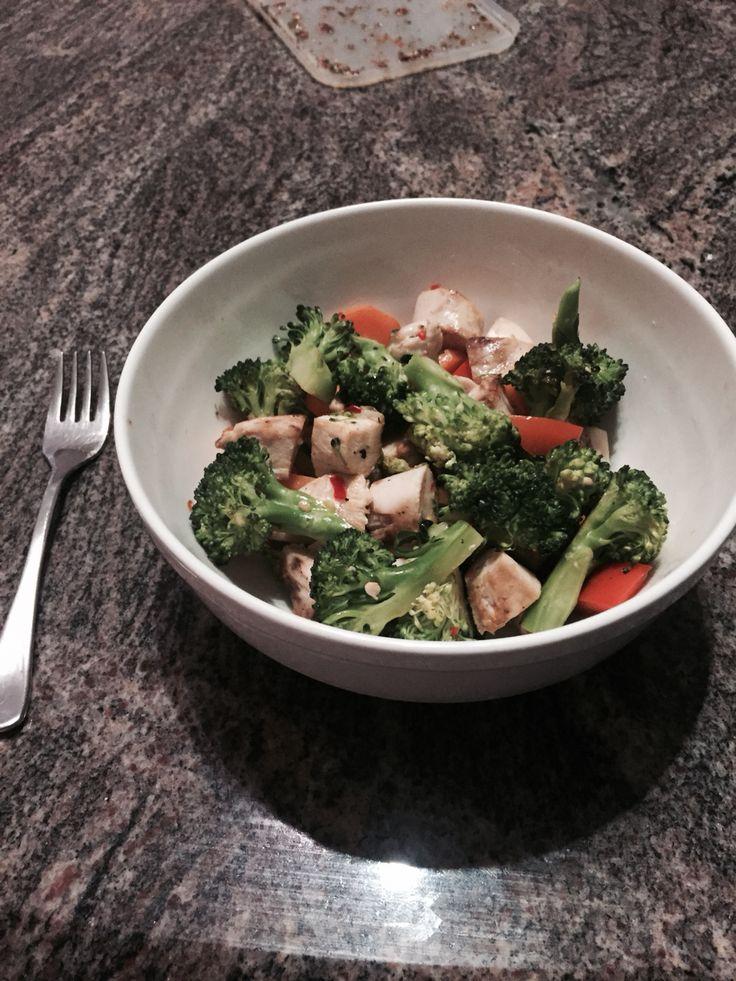 - Broccoli - Carrot - Red Capsicum - Chicken - Chilli - Garlic