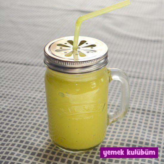 Portakallı Avokadolu Smoothie tarifi nasıl yapılır, Resimli Portakallı Avokadolu Smoothie tarifi anlatımı, sağlıklı diyet smoothie tarifleri için tıklayın.