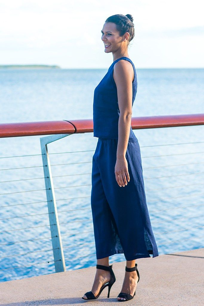 Linen Top with Scalloped V Neckline in Navy