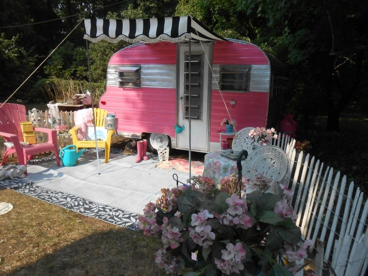 67 Playmor Vintage Camper For Sale Adorable Too Much Pink Id Totally Redo It