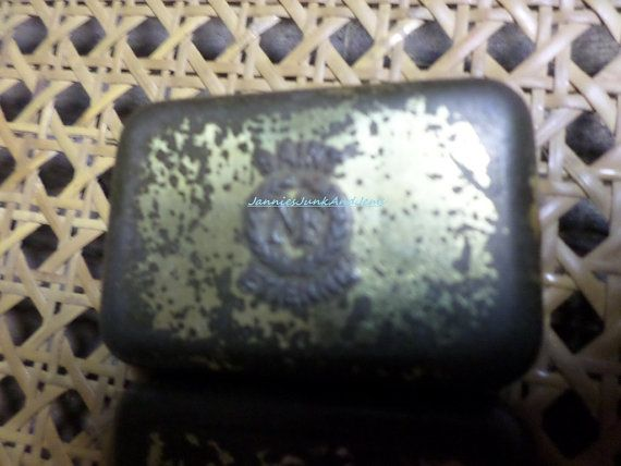 Small Rusty Tin  FRENCH by TinTack on Etsy, €6.00