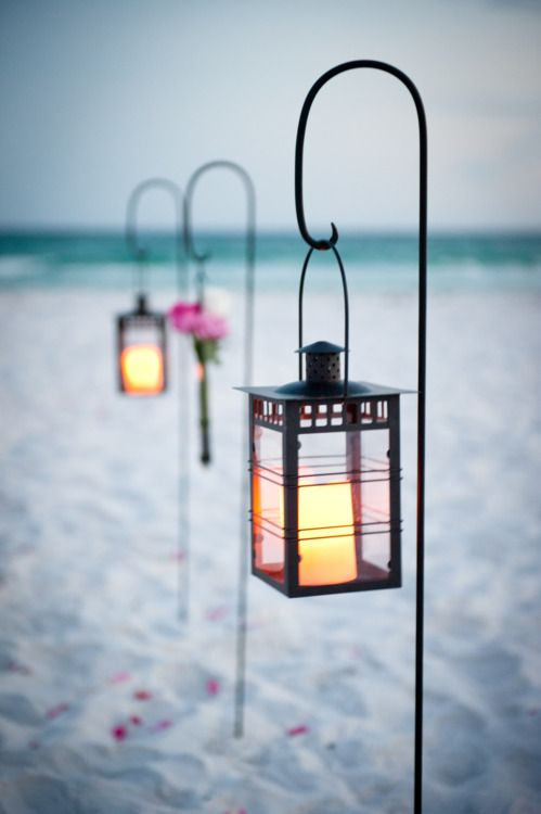 Lantaarns op het strand