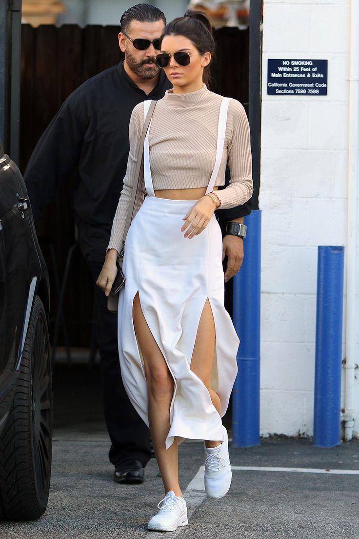 November 04, 2015 - Kendall Jenner leaving a studio in Van Nuys, Los Angeles