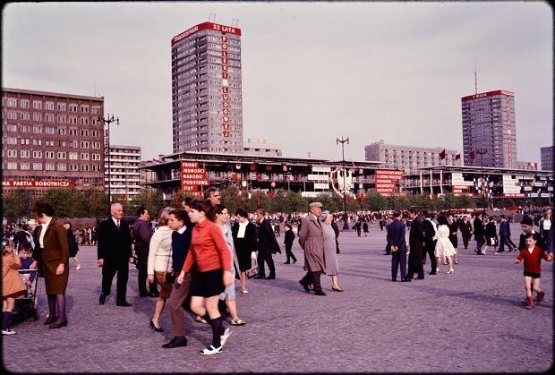 Niezwykłe zdjęcia stolicy lat 50. i 60 XX wieku są dziełem amerykańskiego urbanisty Johna Repsa i pochodzą ze zbiorów biblioteki Uniwersytetu Cornell.