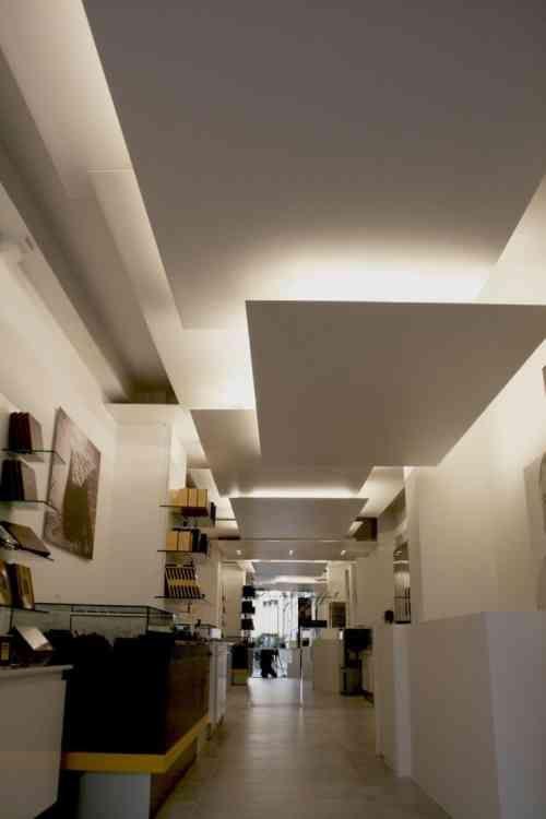 faux plafond suspendu une solution moderne et pratique led pinterest ceiling ceilings. Black Bedroom Furniture Sets. Home Design Ideas
