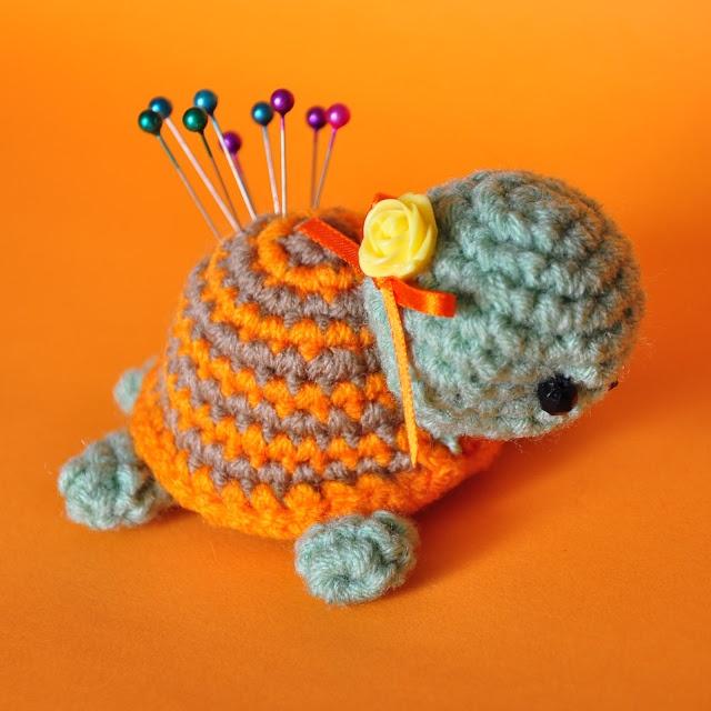 33 Best Pin Cushions Images On Pinterest Crochet Patterns Crochet