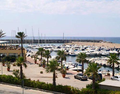 Il porto #turistico vanta un ampio piazzale dove d  #estate vengono organizzati eventi e concerti #MiPiaceilSalento