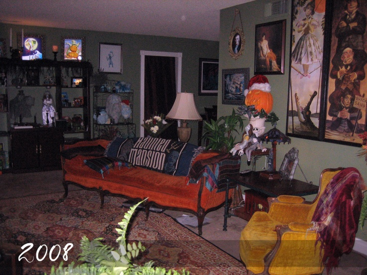 Haunted mansion decor o disney home o for Haunted room ideas