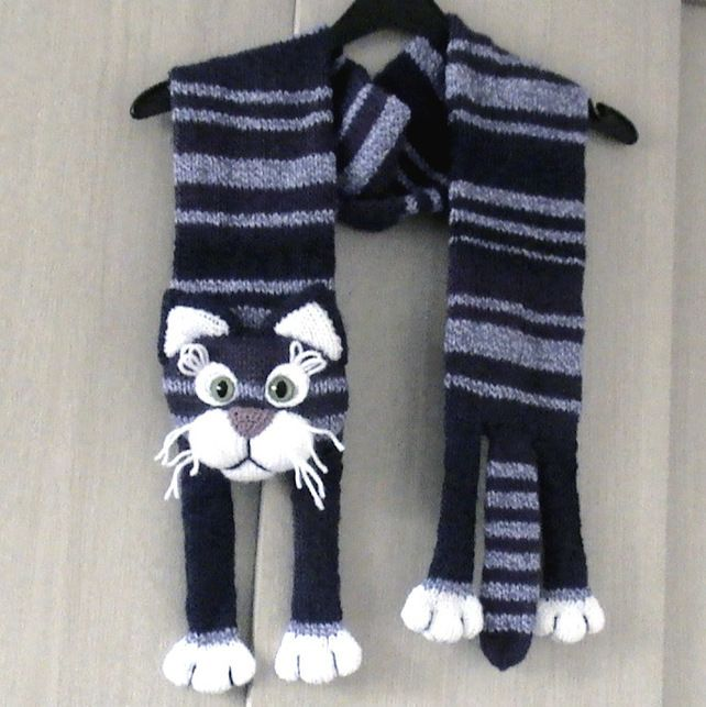 Knitted Violet Cat Scarf £15.00