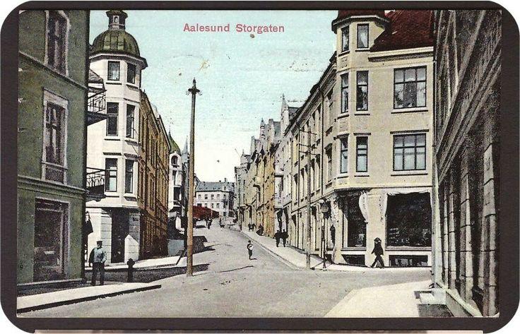Aalesund i Møre og Romsdal fylke . Storgaten. Fargetrykk. St. Aalesund -1912.