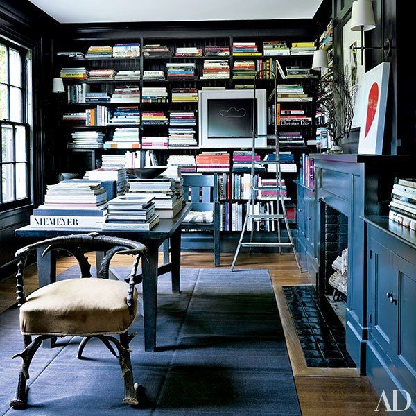 The library of Calvin Klein creative director Francisco Costa's home: Blue Rooms, Calvin Klein, Islands Libraries, Costa Long, Black Libraries, Costa Libraries, Francisco Costa, Long Islands, Architecture Digest
